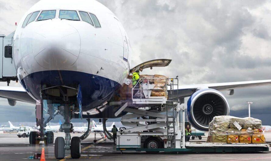 La demande de fret aérien atteint un niveau record en mars 2021
