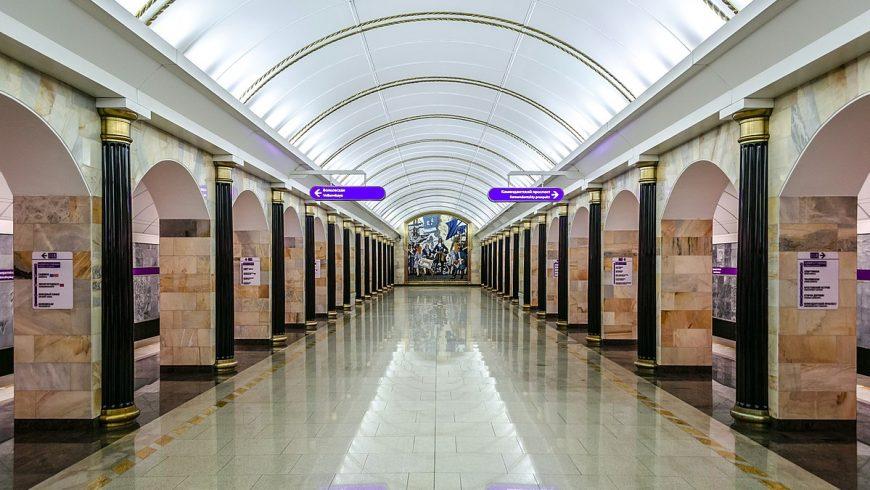 Admiralteyskaya, l'une des plus belles stations de métro de Saint-Pétersbourg et la plus profonde du monde