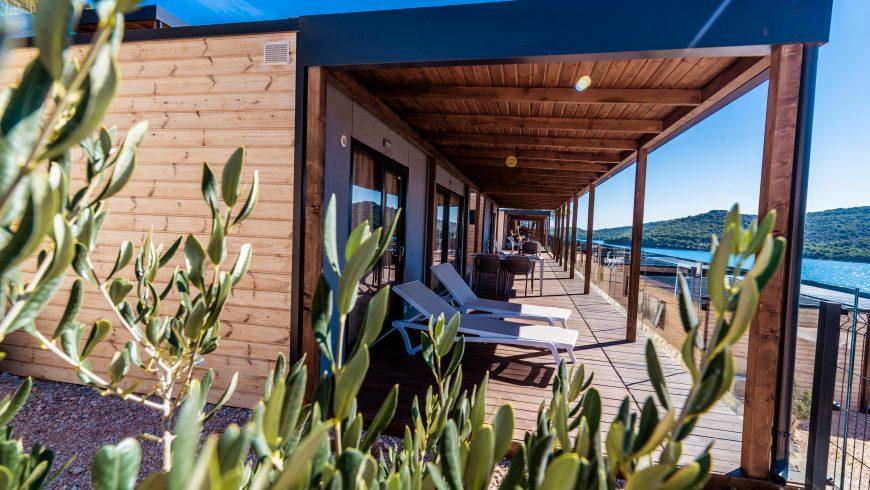 Villa de camping en bois en bord de mer