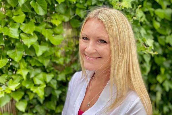 Dr Hayley Stainton, professeur de tourisme