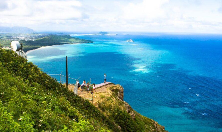 PASSERELLE DE L'HOMME MORTEL SUR OAHU, HAWAII EST MORT