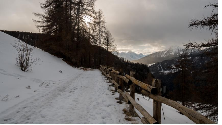 Des vacances dans le village de montagne où les voitures n'arrivent pas