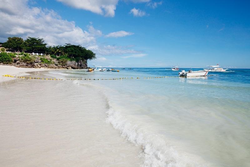 Plage d'Alona avec du sable blanc, Panglao, Philippines