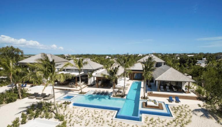 10 raisons pour lesquelles Turks & Caicos est la retraite de luxe absolue pour les couples en lune de miel • Expert Vagabond