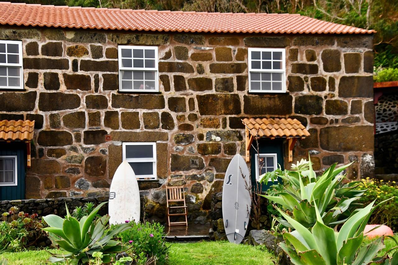 Caldeira Guesthouse et surfcamp, São Jorge