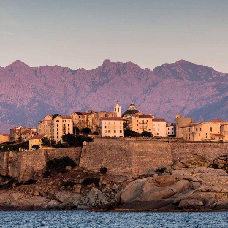 Un guide d'initié des meilleurs endroits en Corse