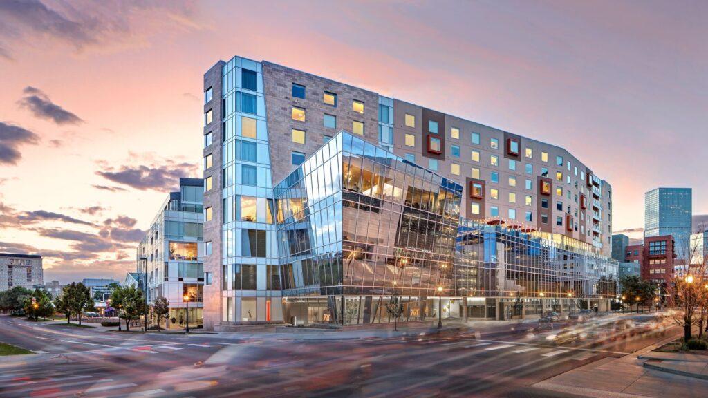 The Art Hotel Denver, Curio Collection by Hilton