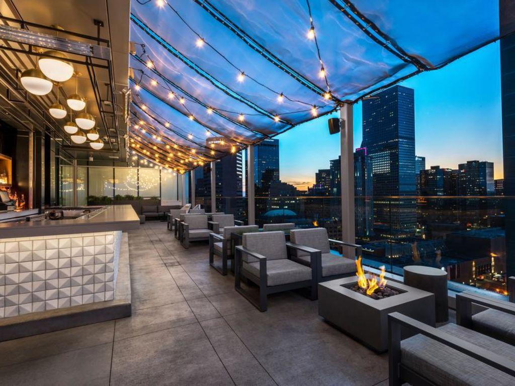 Le rooftop du Meridien Denver Downtown et sa vue